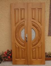 Дерев'яні двері у Львові