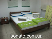 Продам букові дерев'яні ліжка з ортопедичними матрацами