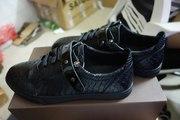 Купити взуття Louis Vuitton