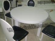 Теплота и свежесть от дизайна стеклянных столов