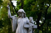 Прибирання місць поховання, могил