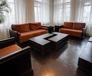 Лаконичная квартира для шести человек в стиле хай-тек посуточно