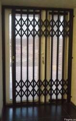 Раздвижные решётки на окна и двери.